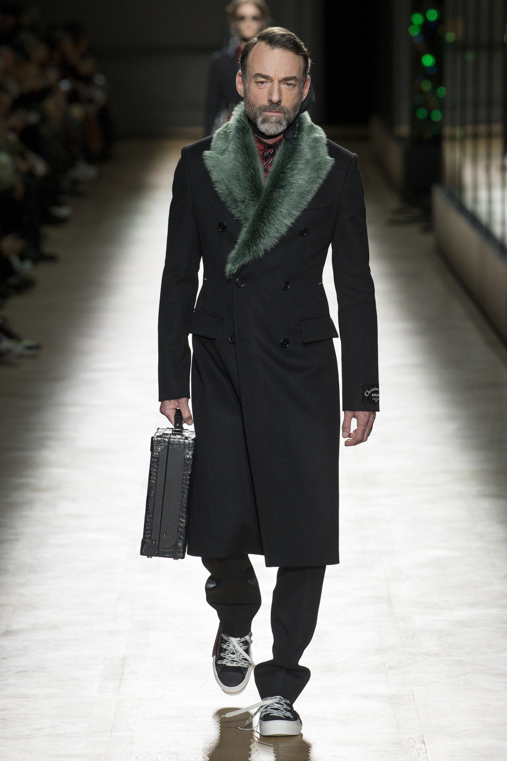 cf9c17ff12e The complete Dior Homme Fall 2018 Menswear fashion show now on Vogue Runway.