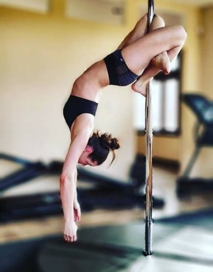 29+ trendy fitness photoshoot pole moves,  #fitness #Fitnessphotoshoot #Moves #photoshoot #Pole #Tre...