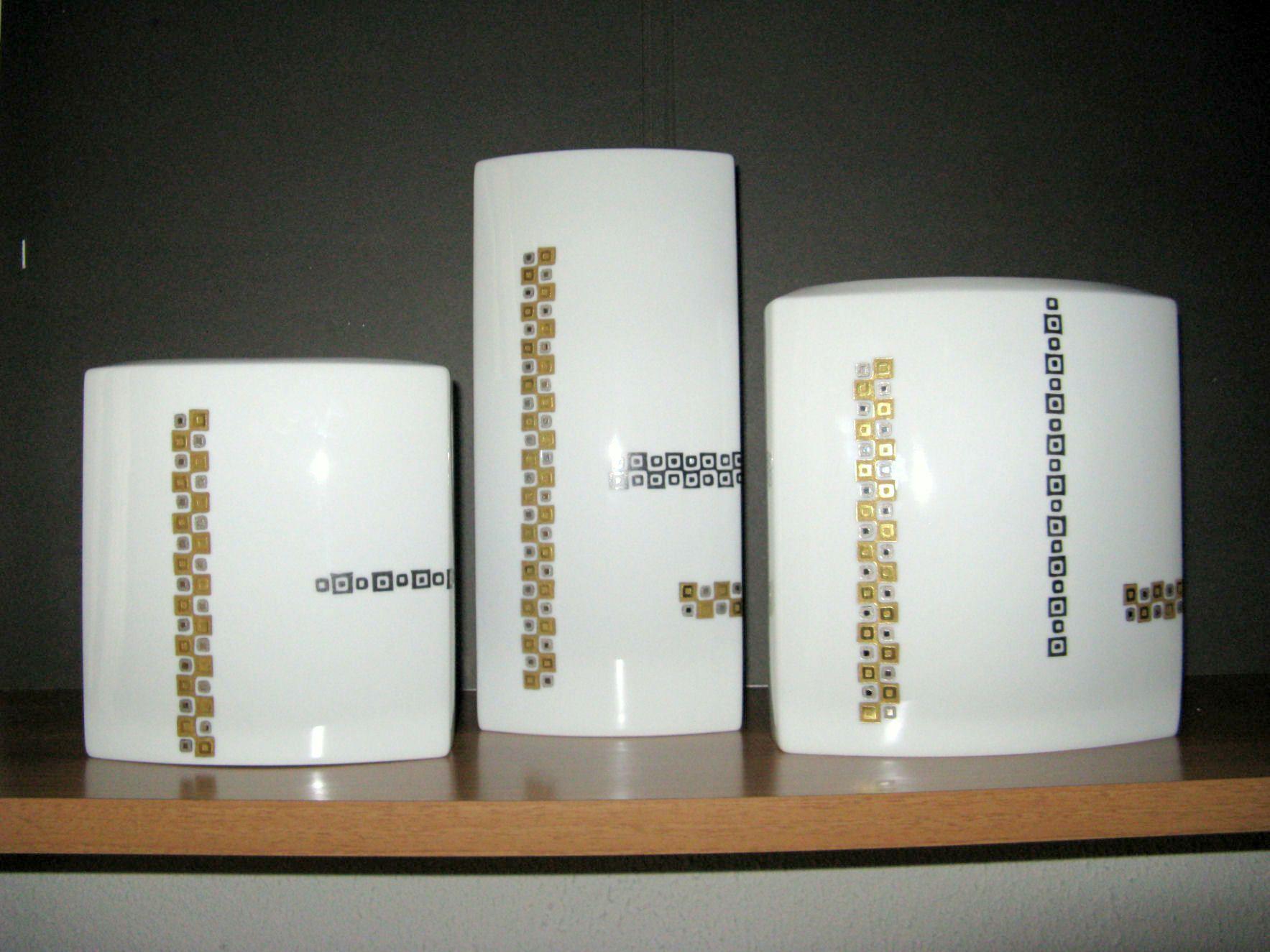 Bottega #Costantini, oggi. Vasi #Rosenthal in #ceramica. Bottega Costantini, today, Rosenthal #ceramic #vases.