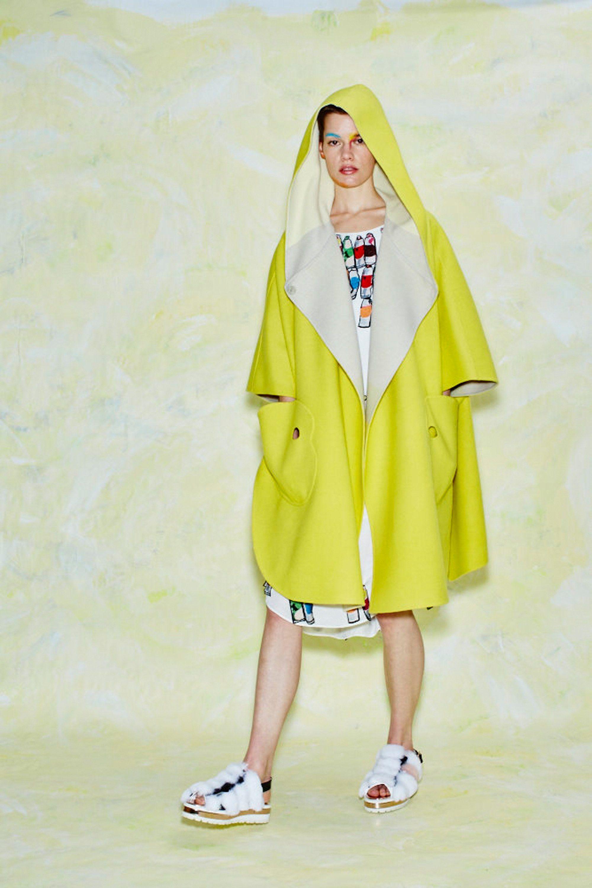 See the complete Tsumori Chisato Pre-Fall 2017 collection.
