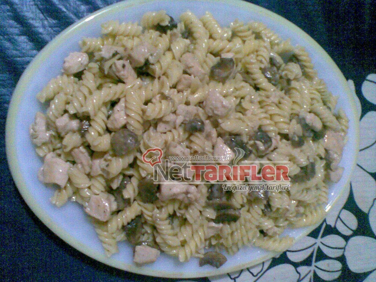 Kremalı Tavuklu Makarna Tarifi