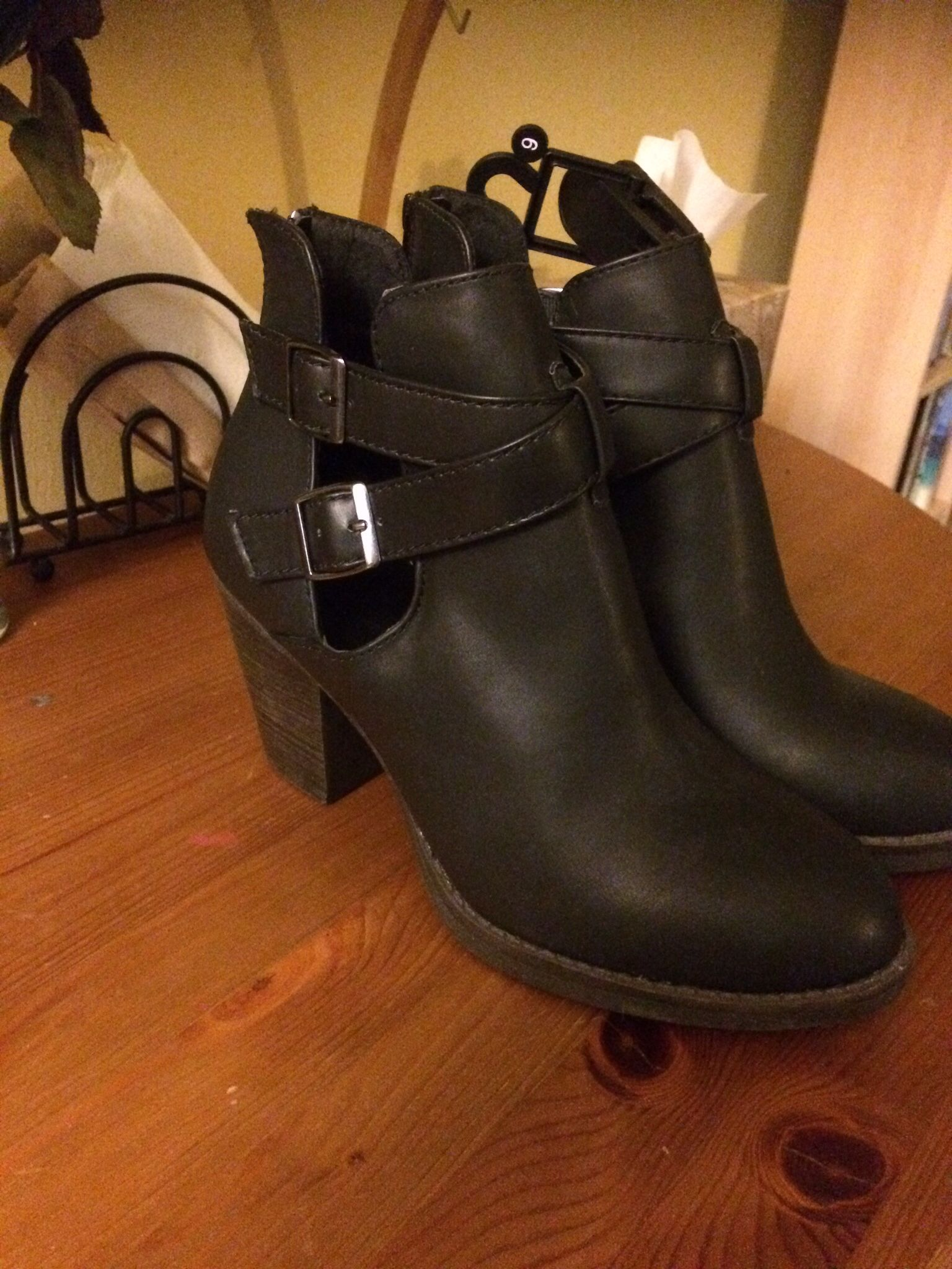 Leather ankle boots, Boots, Character shoes