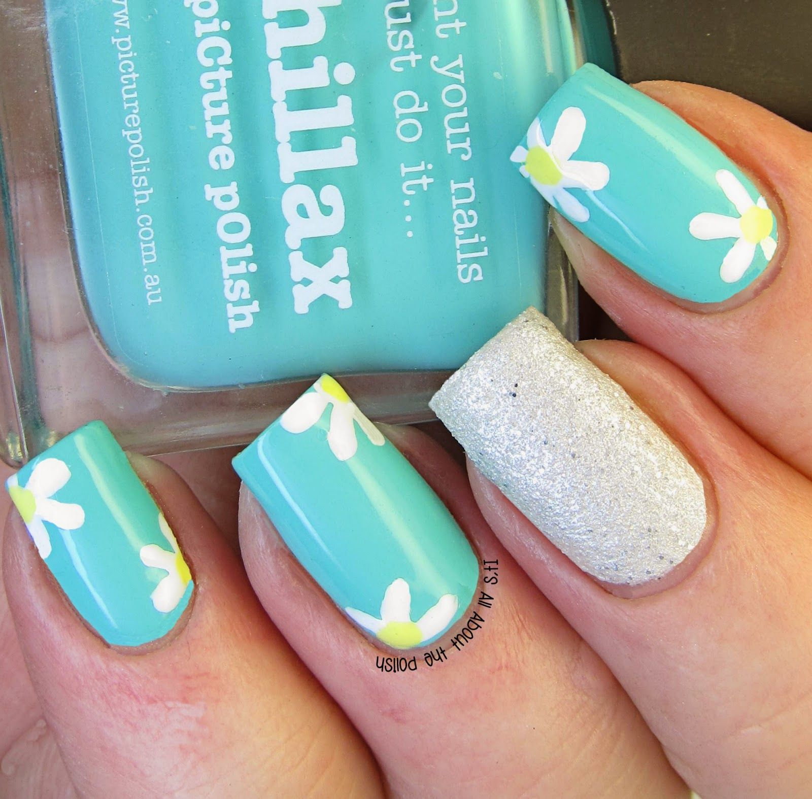 Like the flowered nails