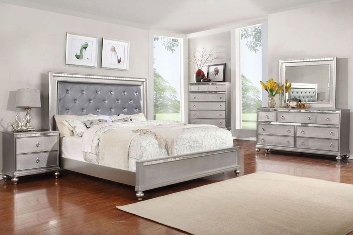 Saxon 5 piece queen bedroom with 32 led tv in 2019 - Gardner white furniture living room ...