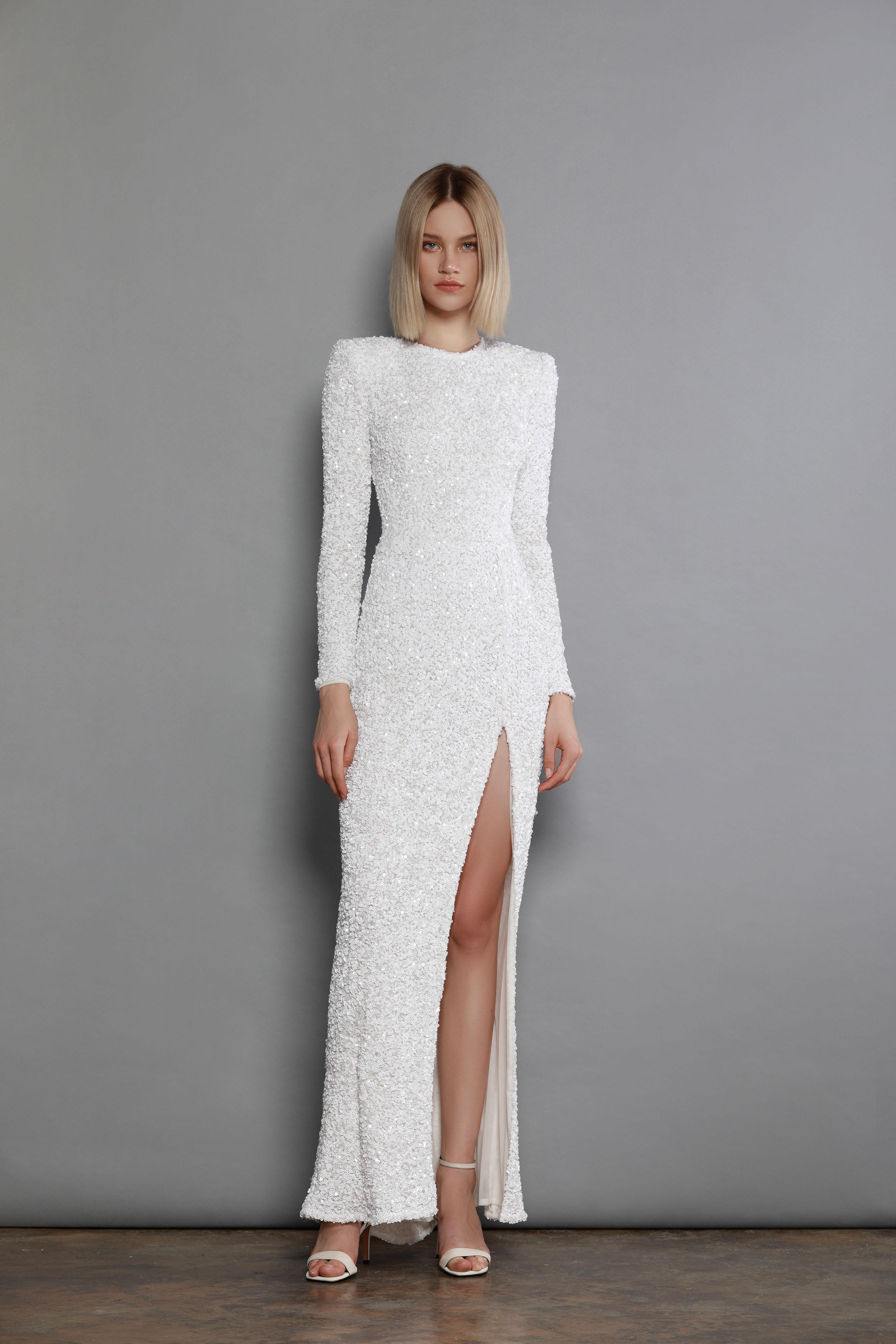 Elizabeth Blanc Dress Bronx And Banco White Long Sleeve Dress Simple Long White Dress Simple Long Sleeve Dress [ 6720 x 4480 Pixel ]