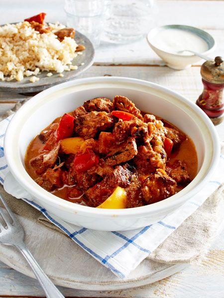tomaten lamm gulasch rezept kochen f r g ste pinterest lammfleisch gulasch und gast. Black Bedroom Furniture Sets. Home Design Ideas