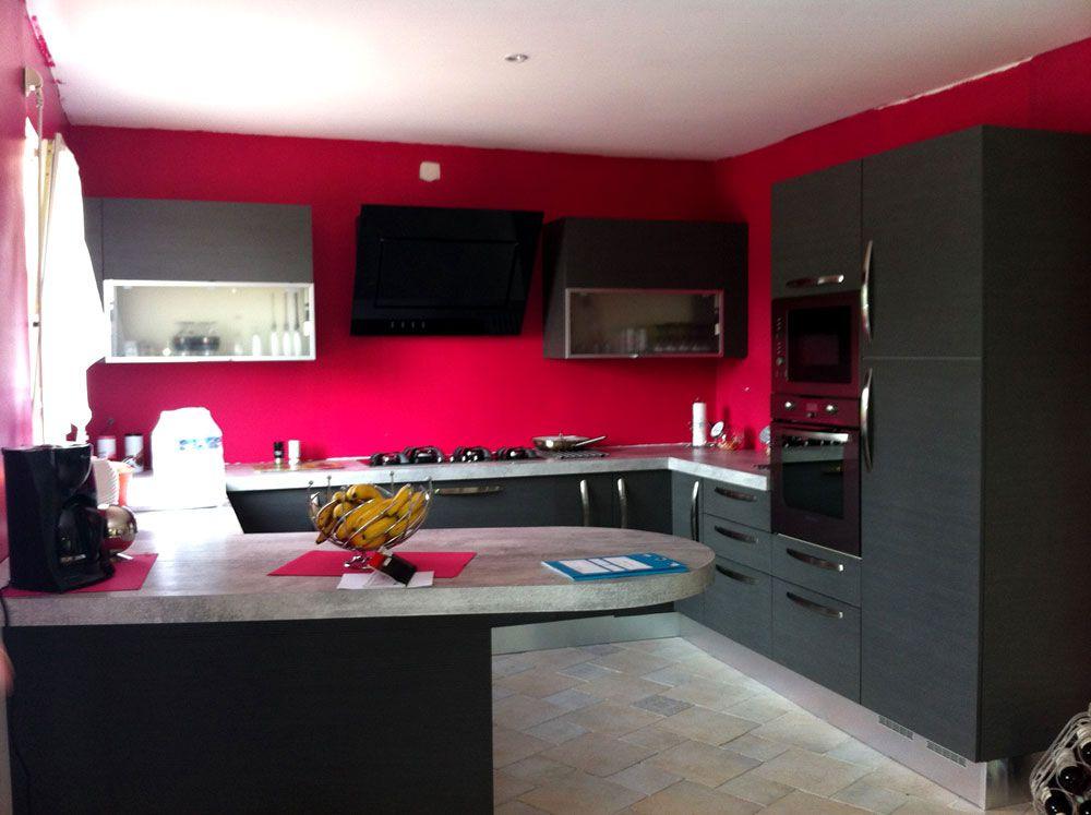 Une cuisine noire révélatrice de peps http://blog-cuisines.fr ...