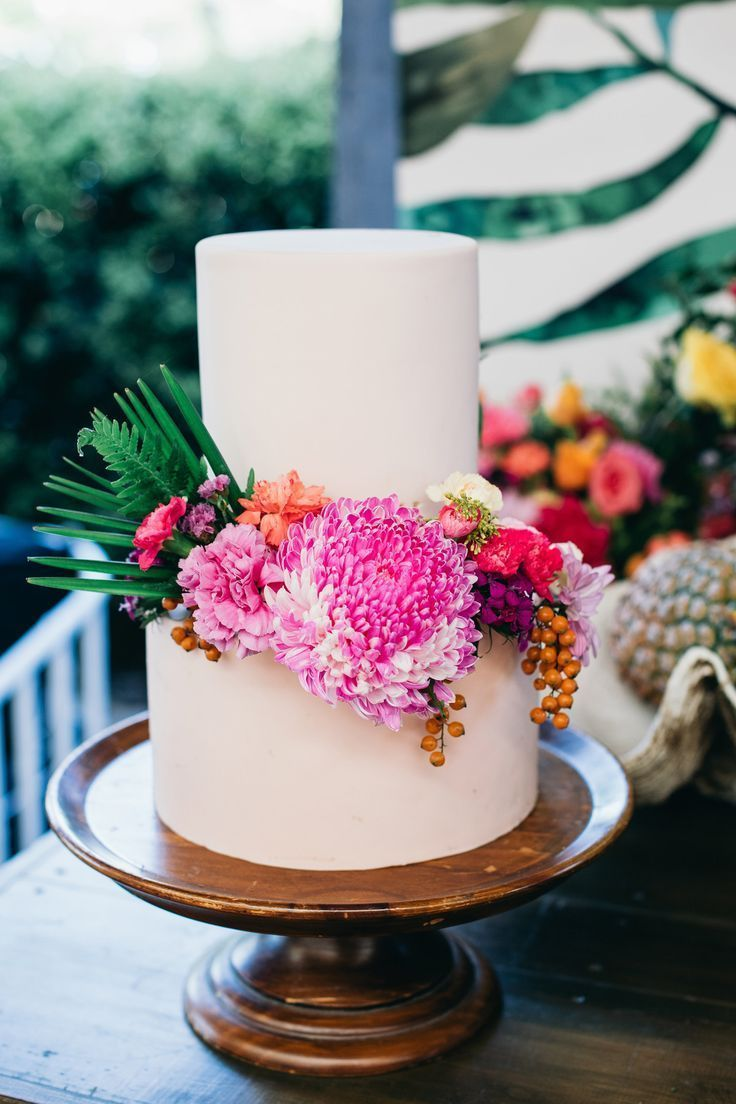 Bright & Tropical Summer Wedding Inspiration