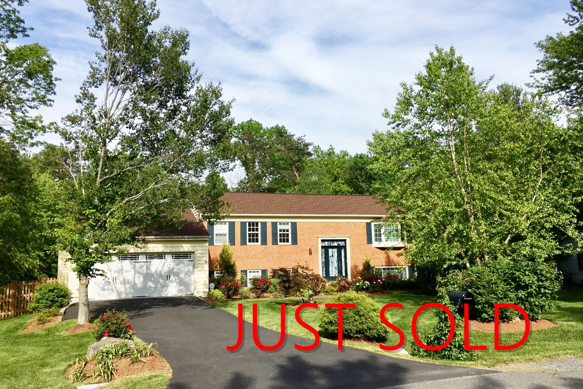 Congratulations to Rob Chevez for helping our Seller settle on 2327 Bedfordshire Circle, Reston, VA 20191. Become a CAZA Smart Seller and sell your home for 3.1% more than the market average in 1/2 the time! Go to www.thecazagroup.com to learn about our Smart Seller System. #CAZAhomes #CAZAsmartsystem #CAZAravingfans