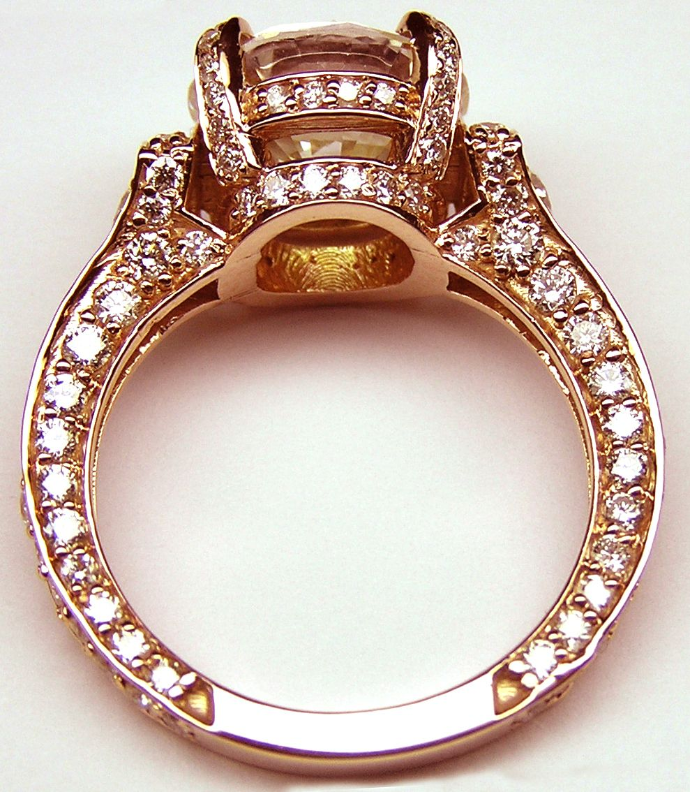 Engagement Ring Large Round Diamond Cathedral Graduated