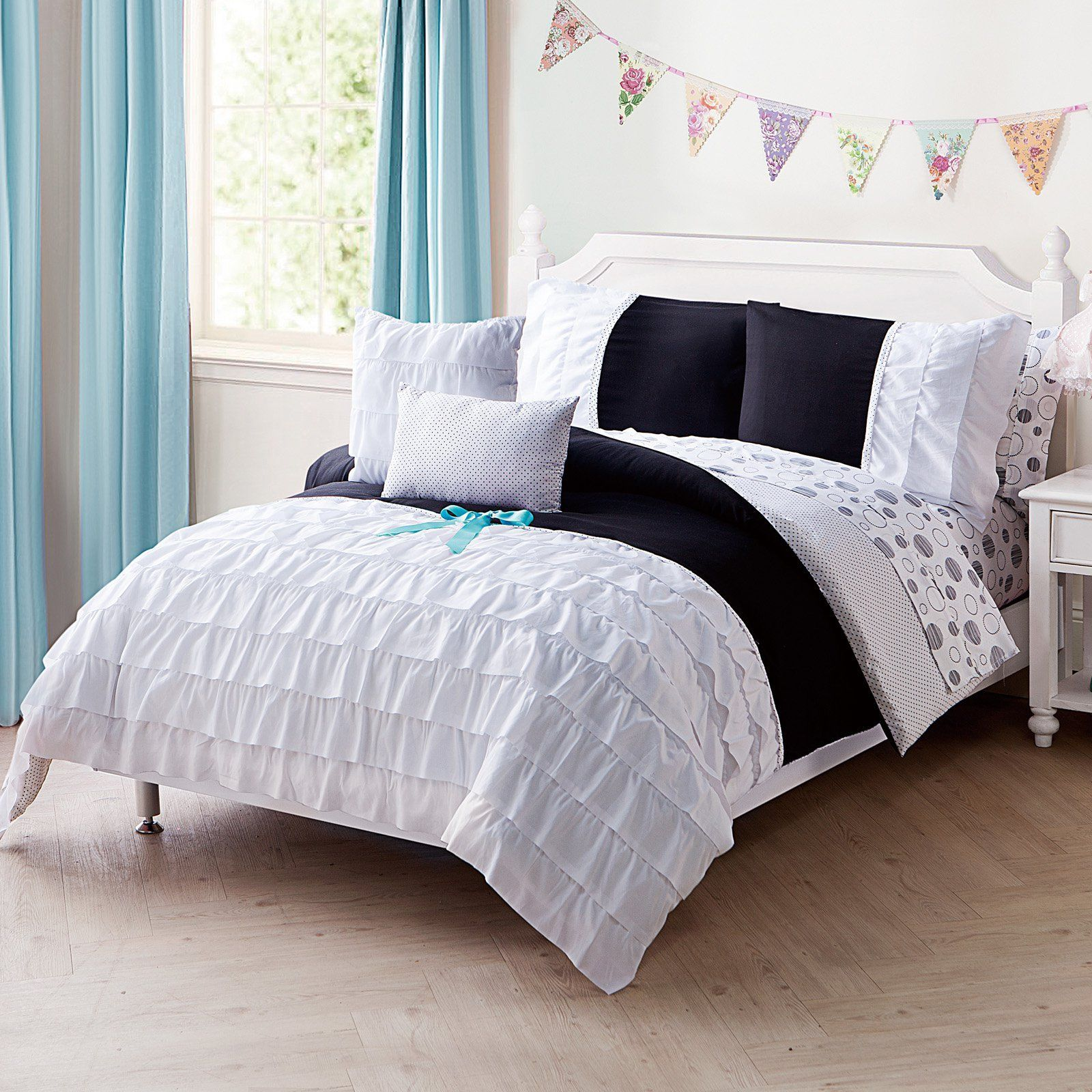 Amber 9 Piece Bed in Bag Set by Victoria Classics - AB1-BIB-FULL-IN-BW
