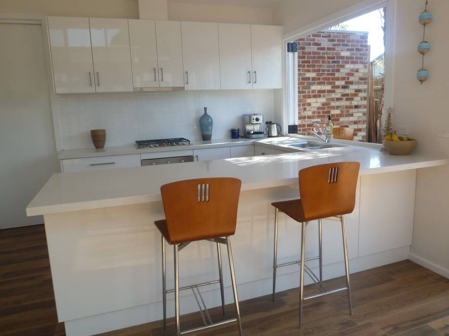 Great kitchen with servery window