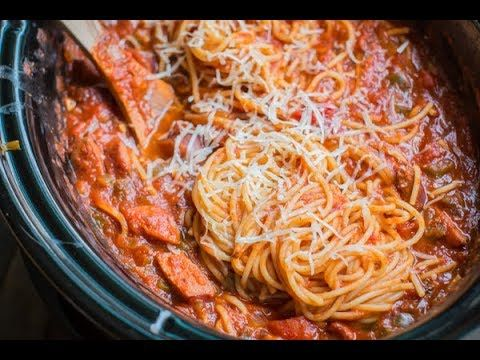 No Precooking Required With This Easy Slow Cooker Spaghetti Dinner Sliced Sausage Replaces Ground Beef Slow Cooker Spaghetti Easy Slow Cooker Spaghetti Dinner