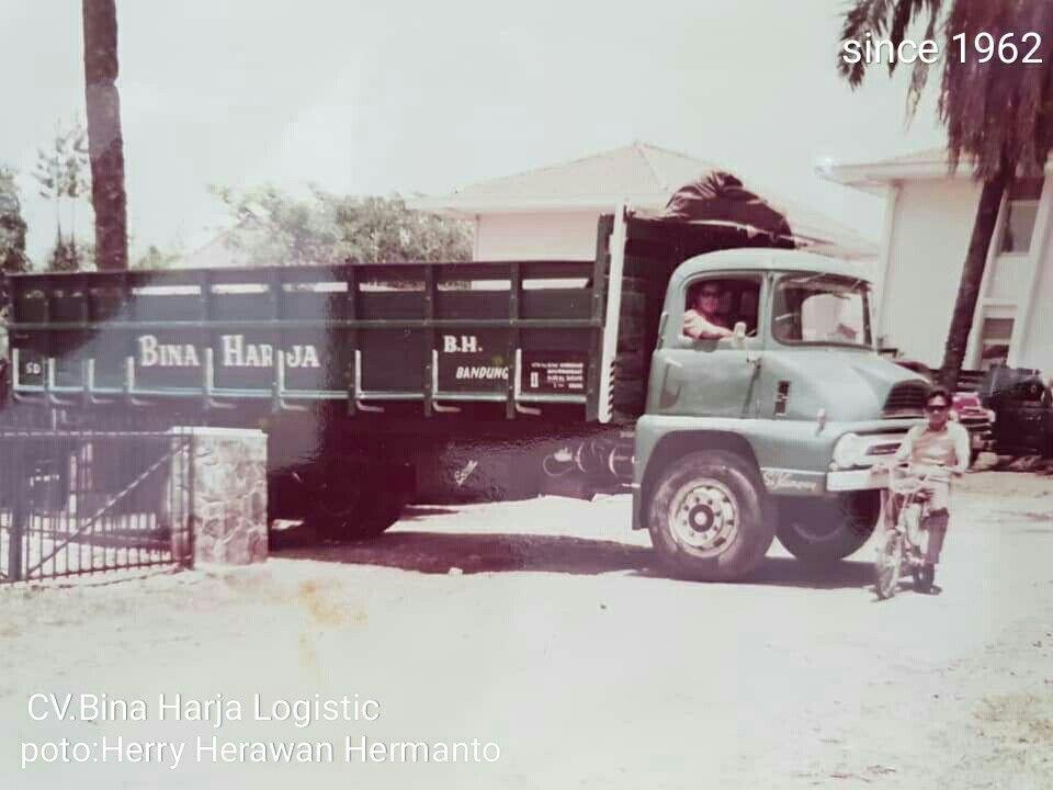 Cv Bina Harja Logistic Armada Thames Trader Mobil Foto Zaman Dulu Bh