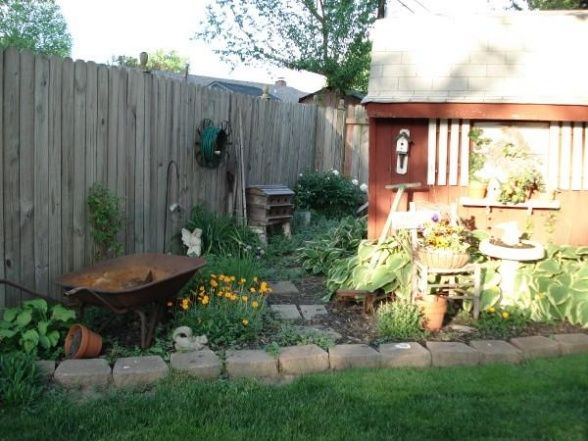 Country yard yard garden landscaping pinterest for Country garden ideas for small gardens