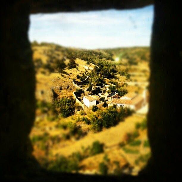 Vistas desde un ventanuco de la cárcel medieval de Pedraza  #carcel #jail #prision #medieval #pedraza  ©Raquel Conde/Infinita/Infiniteando
