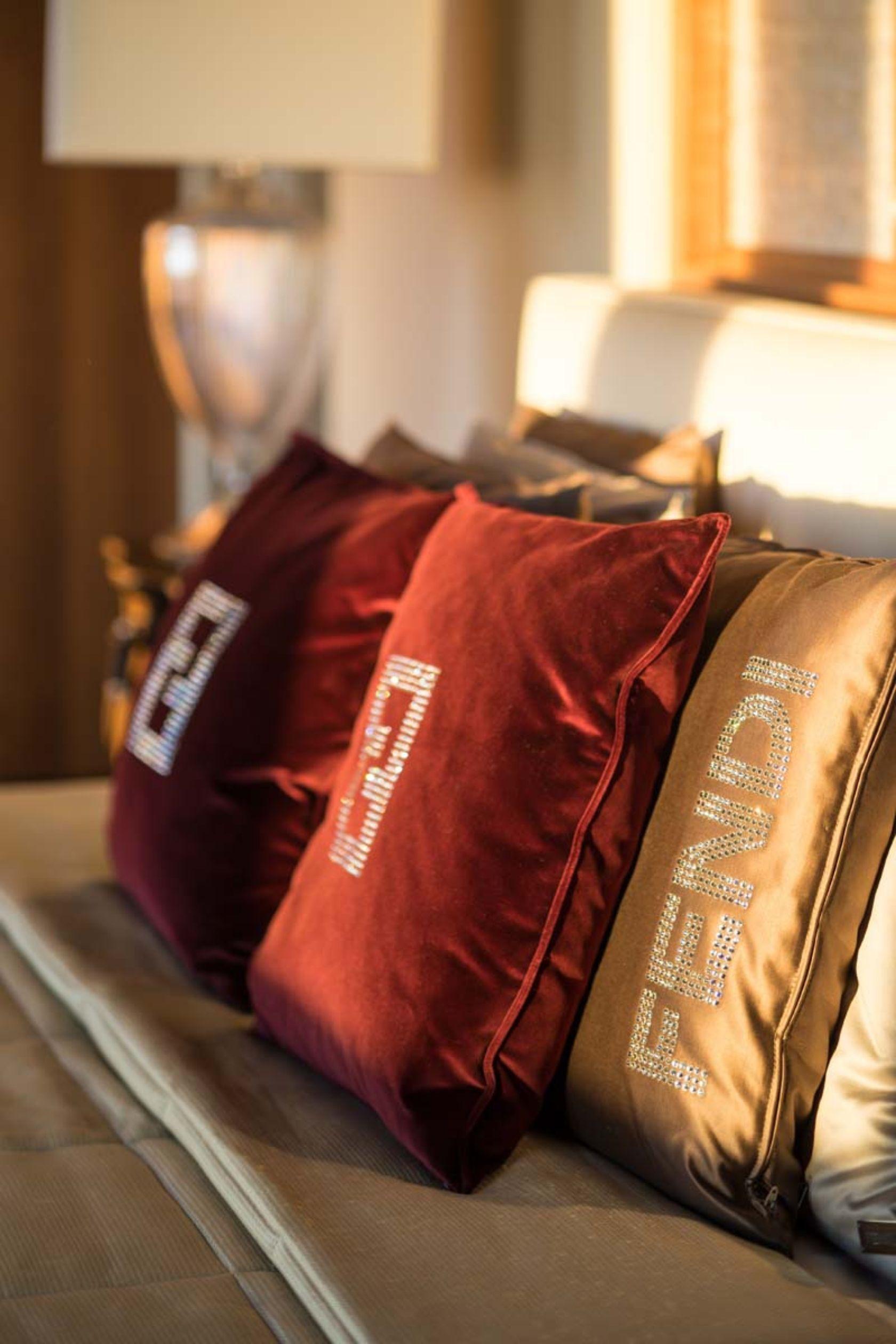 Fendi Casa Penthouse Like Pinterest Penthouses Pillows And  # Muebles Fendi Casa