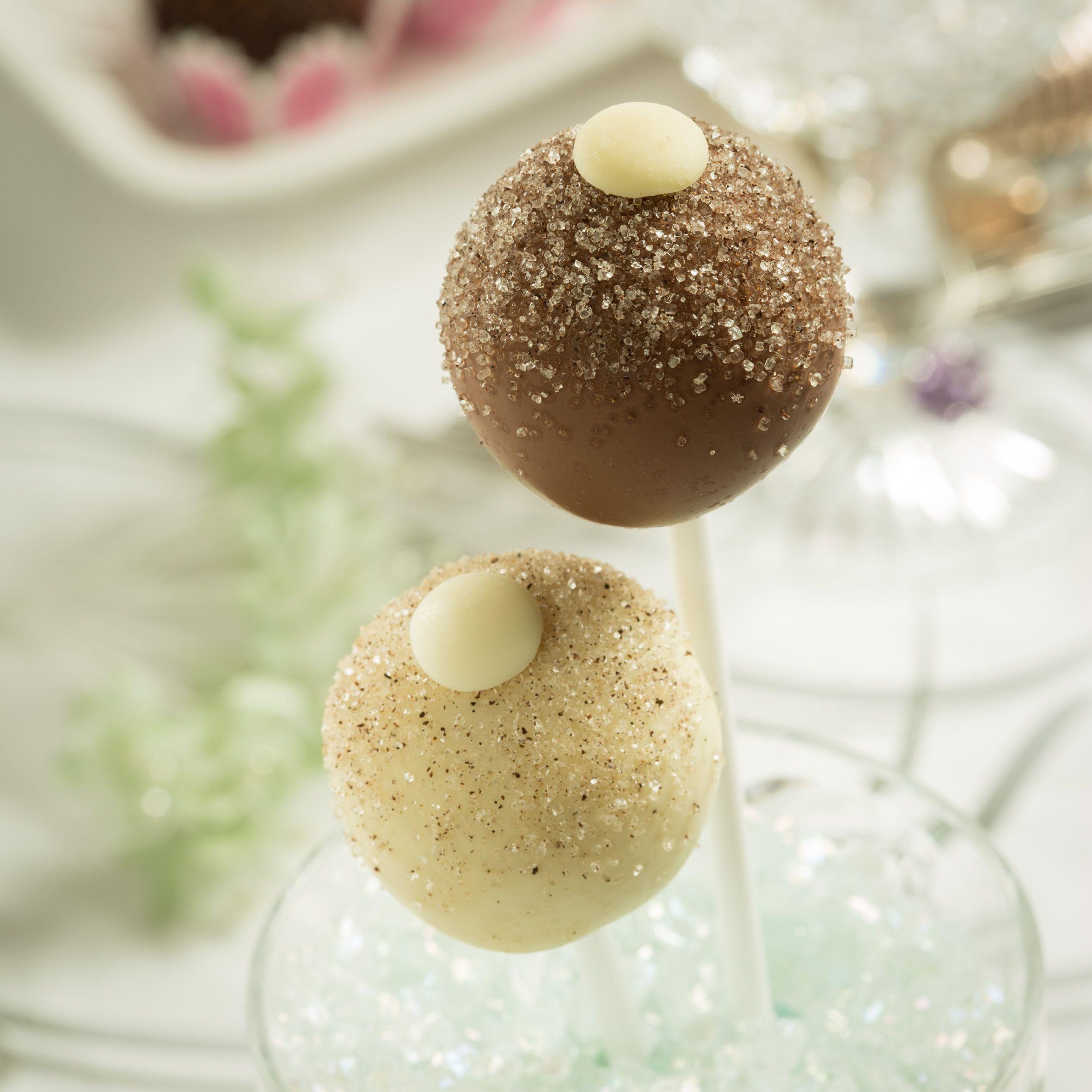 Classic vanilla gluten free sponge cake blended with