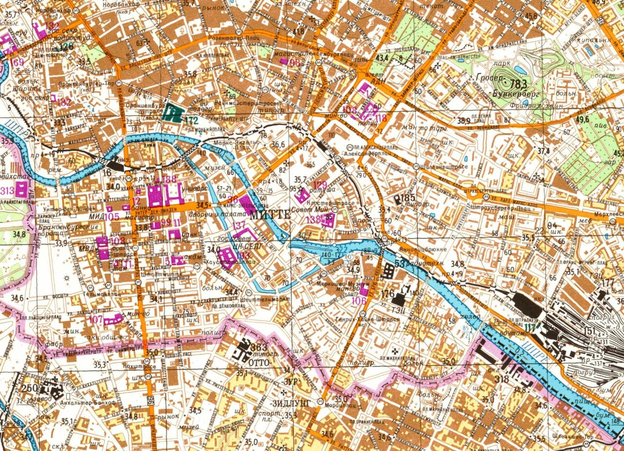 incredibly detailed soviet map of berlin showing a on berlin wall id=24657