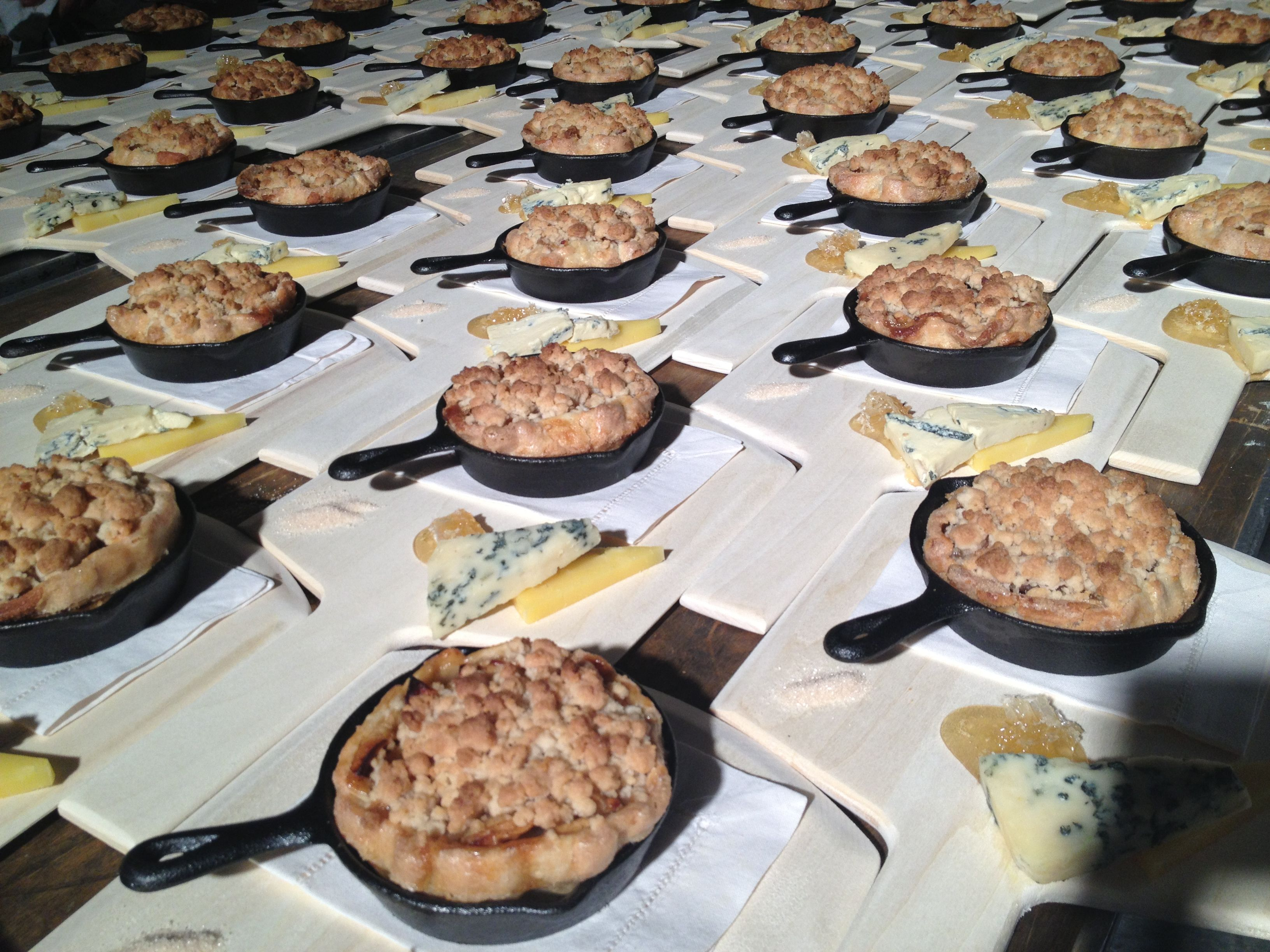 CARTER MOUNTAIN ORCHARD APPLE PIE. The highlight of the evening was sweet apple pie and homemade vanilla ice cream served in miniature skillets with cheese and honey.  Mount Vernon Event  InsideDesignCuisine.com