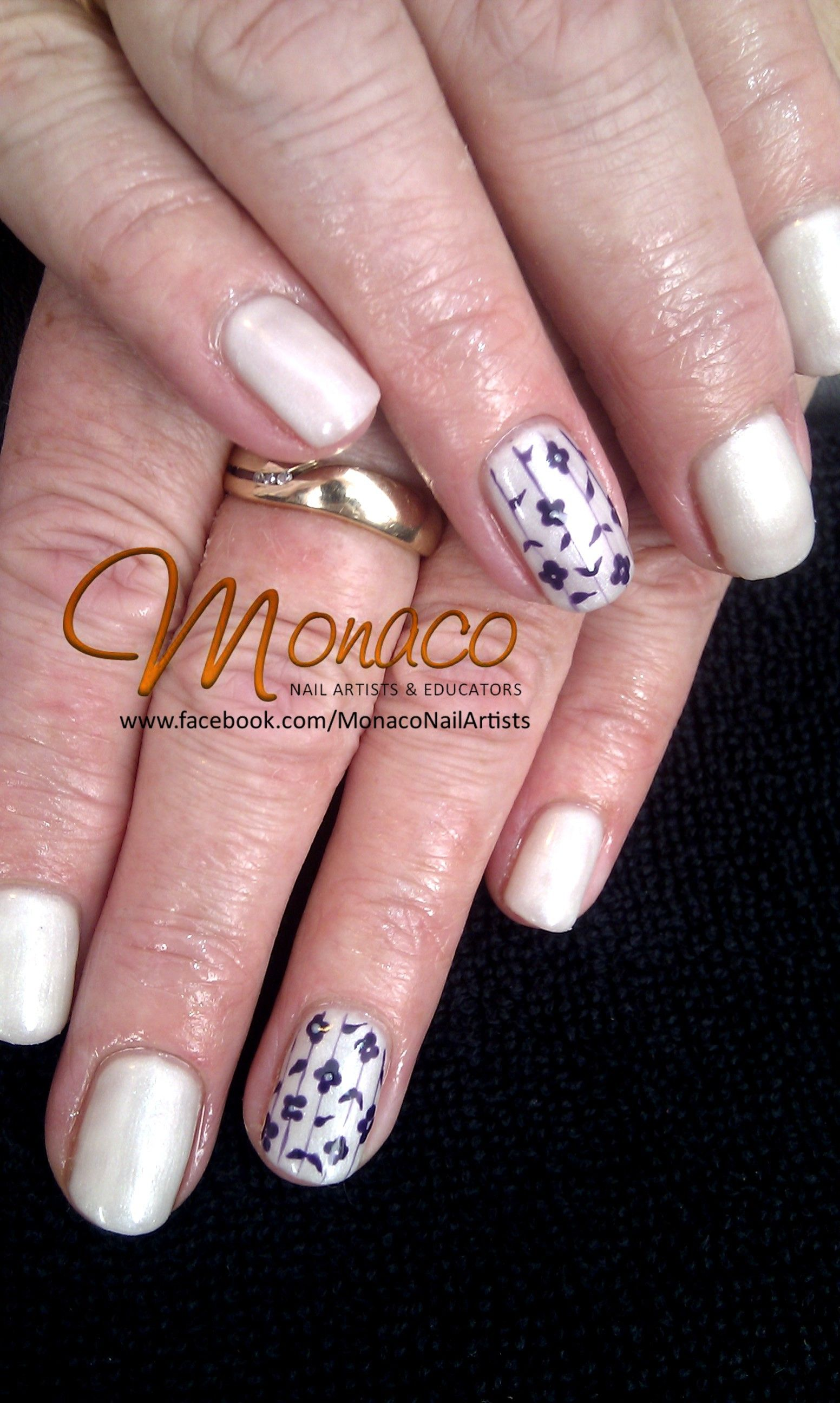 Dainty floral NailArt with Artistic Colour Gloss 50 NZD