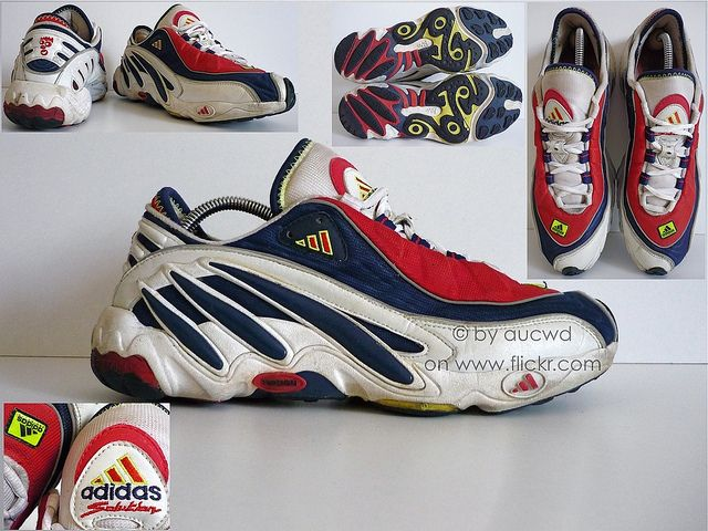 90`S VINTAGE ADIDAS TORSION EQUIPMENT SOLUTION FEET YOU WEAR