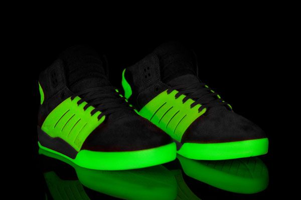solebox-supra-skytop-iii-glow-in-the