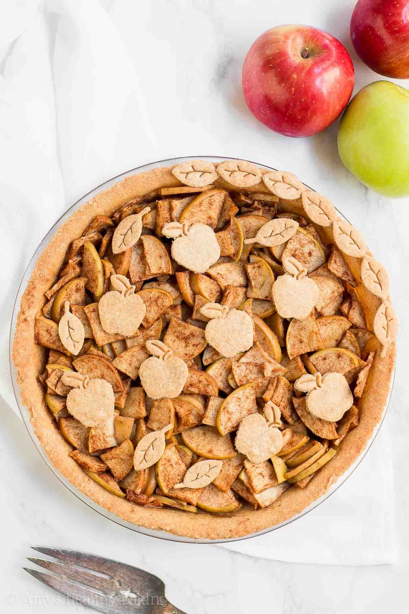 The ULTIMATE Healthy Apple Pie Recipe -- truly the BEST apple pie I've ever had! Sweet filling, flaky crust & only 129 calories! You'll never use another apple pie recipe again! ♡ healthy homemade apple pie from scratch. clean eating healthy apple pie. #applepie