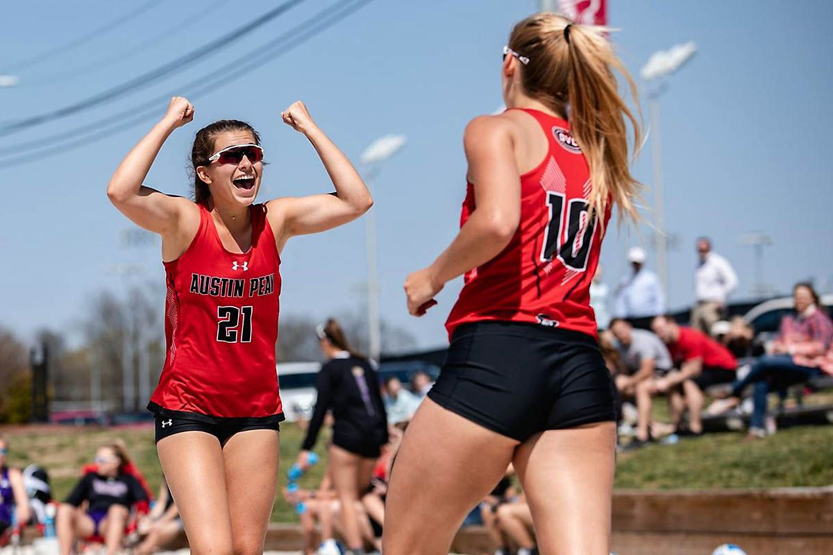 Apsu Beach Volleyball Sweeps Doubleheader Against Ut Martin Beach Volleyball Volleyball Austin Peay State University