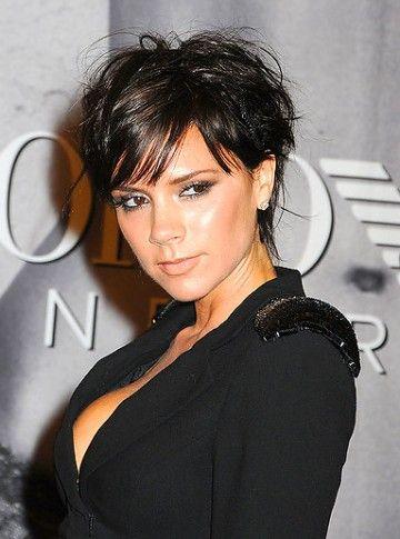Krótkie Czarne Roztrzepane Włosy Victoria Beckham Fryzury