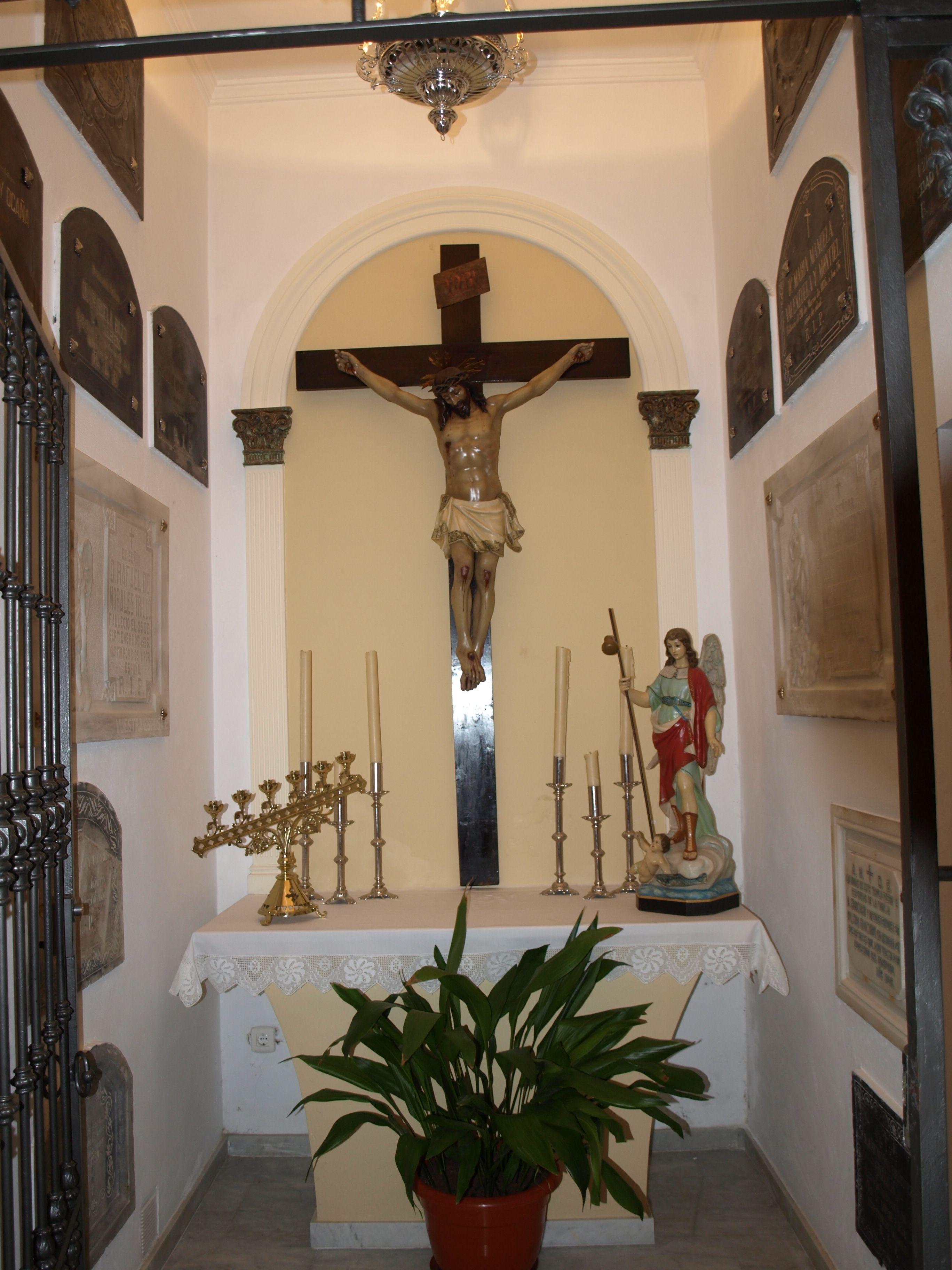 capilla al fondo de la ermita de San Miguel
