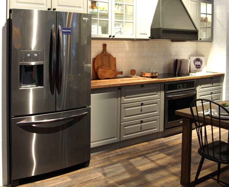 Can This New Kitchen Color Finally Finish Off Stainless Steel Black Stainless Appliances Black Stainless Steel Kitchen New Kitchen