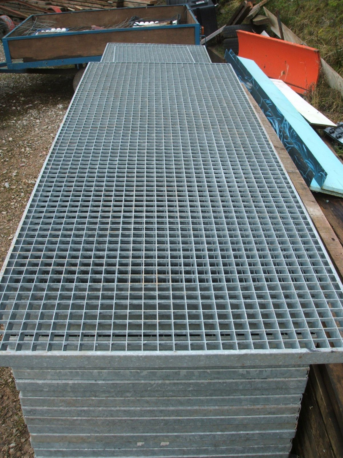 "Floor Forge Walkway, Steel Grating 69"" x 33 1/2"" Mezzanine ..."
