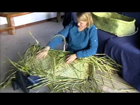 Creation Of Kupenga Style Kete Youtube Traditional Weaving Basket Weaving Flax Weaving