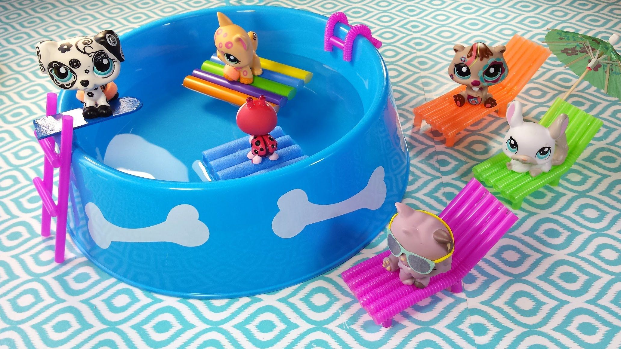 DIY Doll Working Swimming Pool, Chairs, & Floaties for LPS