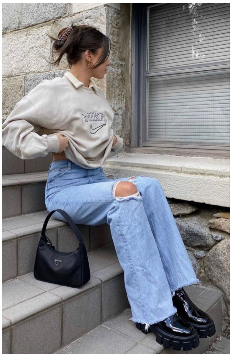 baggy jeans and boots