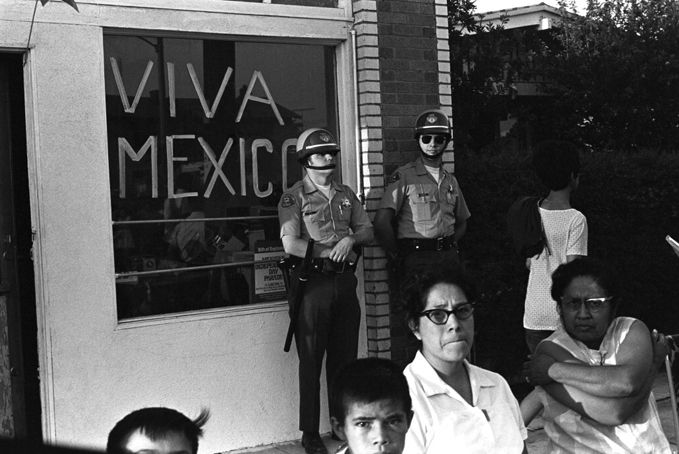 East Los Angeles Black And White Google Search East Los Angeles Chicano La History