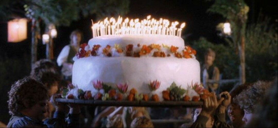 Bilbos Birthday Cake Movie Lord Of The Rings Pinterest