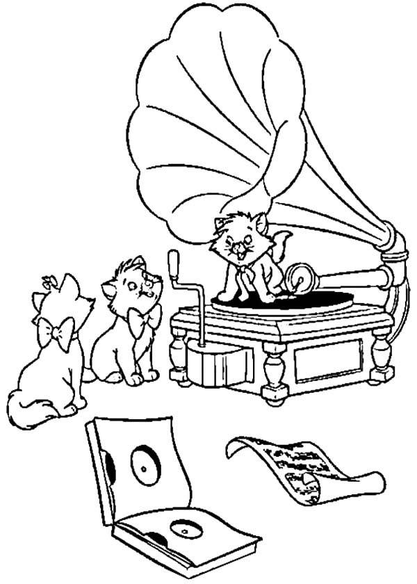 The Aristocats Toulouse Disturbing Berlioz Coloring Pages Cartoon Coloring Pages Family Coloring Pages Disney Coloring Pages