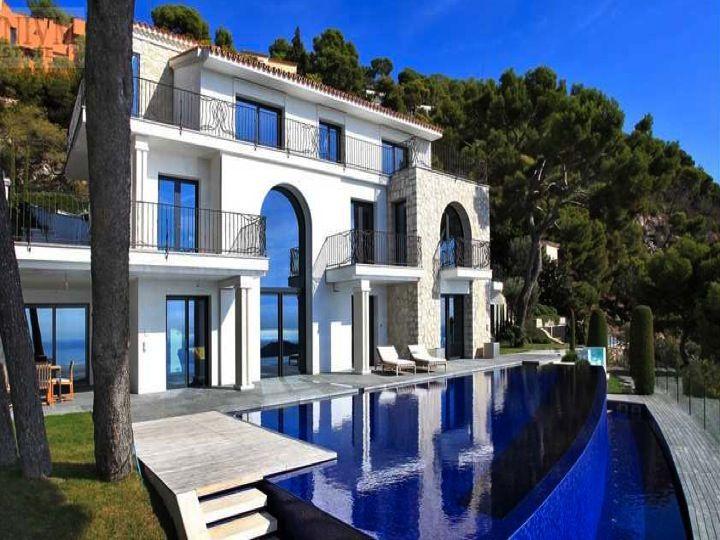 Modern Mediterranean Villa in Le Castellet, Cote d'Azur