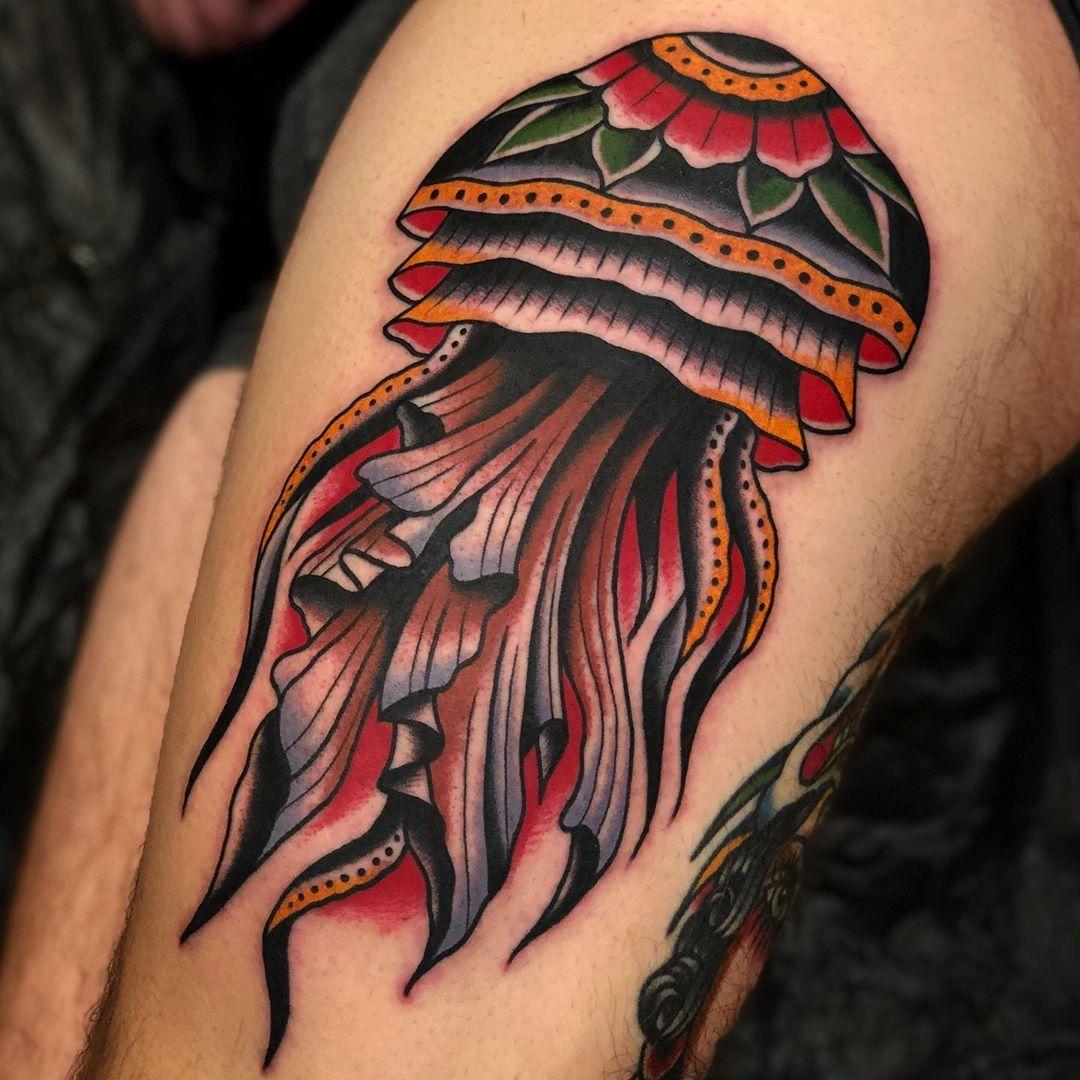 Jellyfish Trad Done Boldwillhold Tattoo Samuelebriganti Traditionaltattoo In 2020 Traditional Tattoo Jellyfish Traditional Tattoo Leg Sleeve Body Art Tattoos