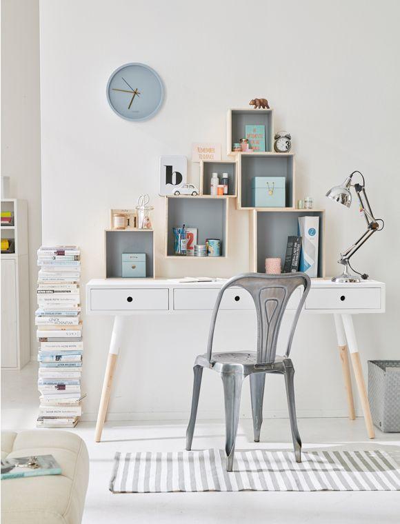 der filigrane arbeitstisch aus holz kann vielseitig eingesetzt werden desks pinterest. Black Bedroom Furniture Sets. Home Design Ideas