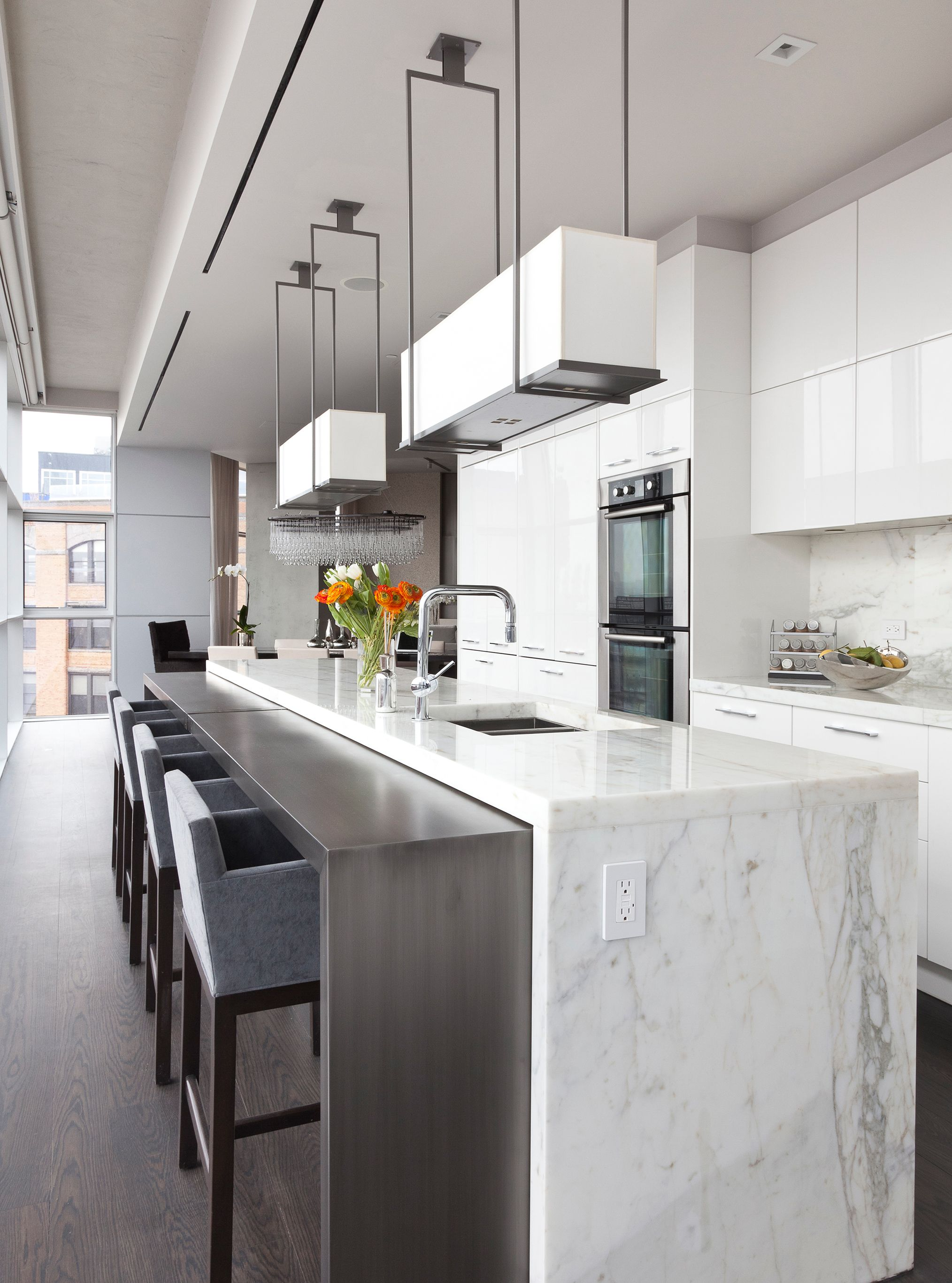 Tribeca Luxury Penthouse Interior Design By Purvi Padia Design In New York City New Kitchen Designs Luxury Kitchen Design Penthouse Kitchen