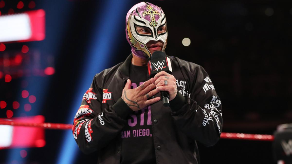 Photos The Beast Ruthlessly Assaults Mysterio And Dominick Wwe Wwe Legends Aj Styles