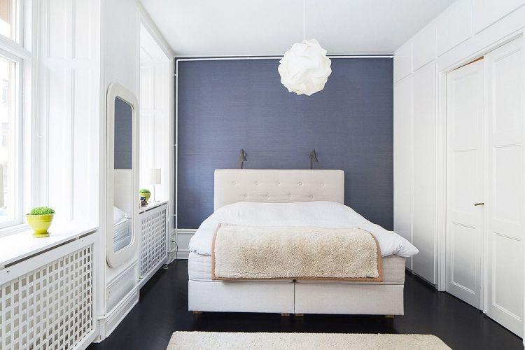 Blaues Schlafzimmer ~ Schlafzimmer weiß bett kopfteil shaggy teppich schlafzimmer
