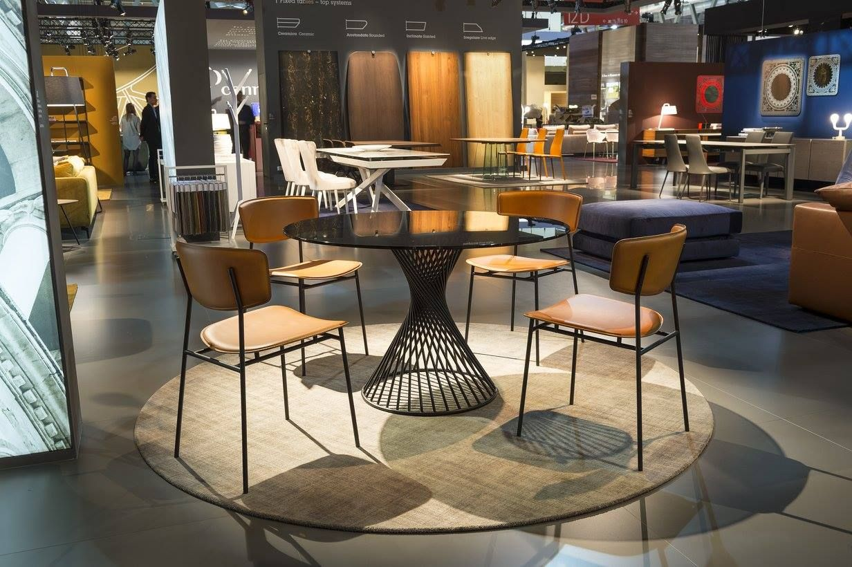 Calligaris New Fifties Dining Chairs New Vortex Dining Table