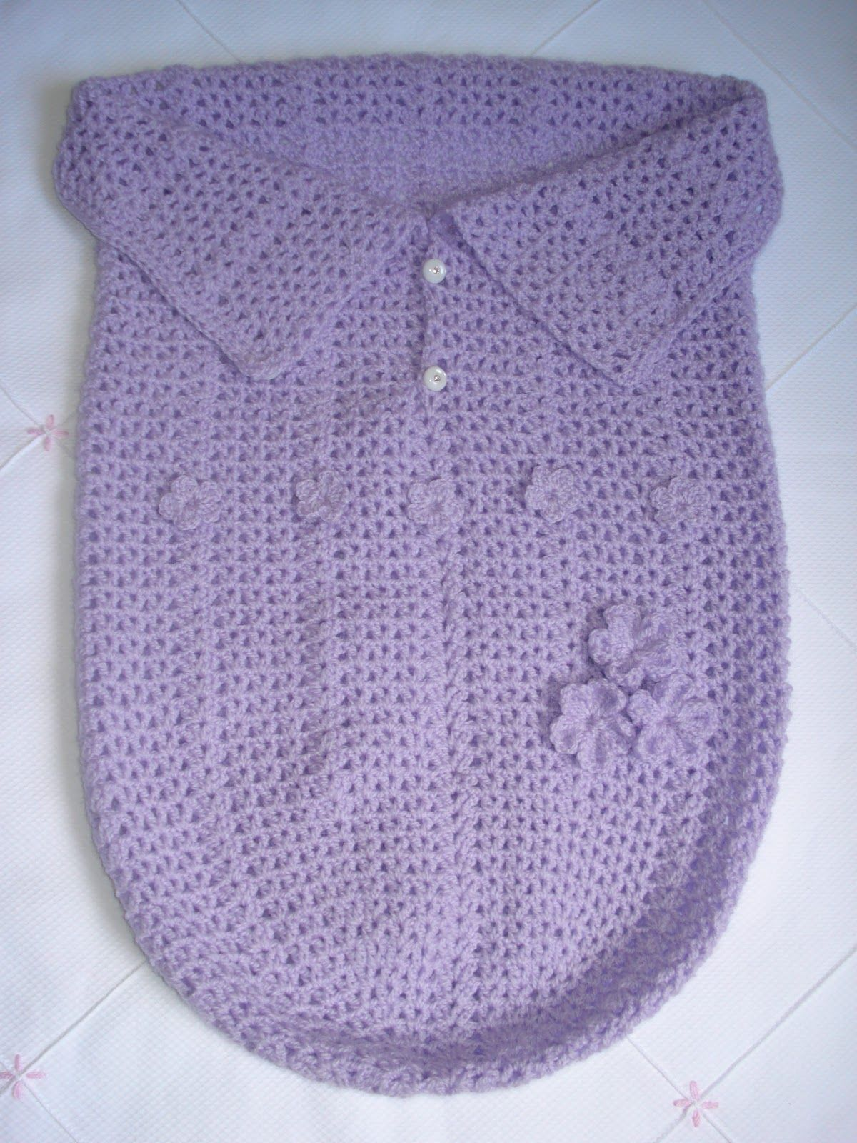 Minhas linhas e eu: Saco para bebê em crochet - baby cocoon ...