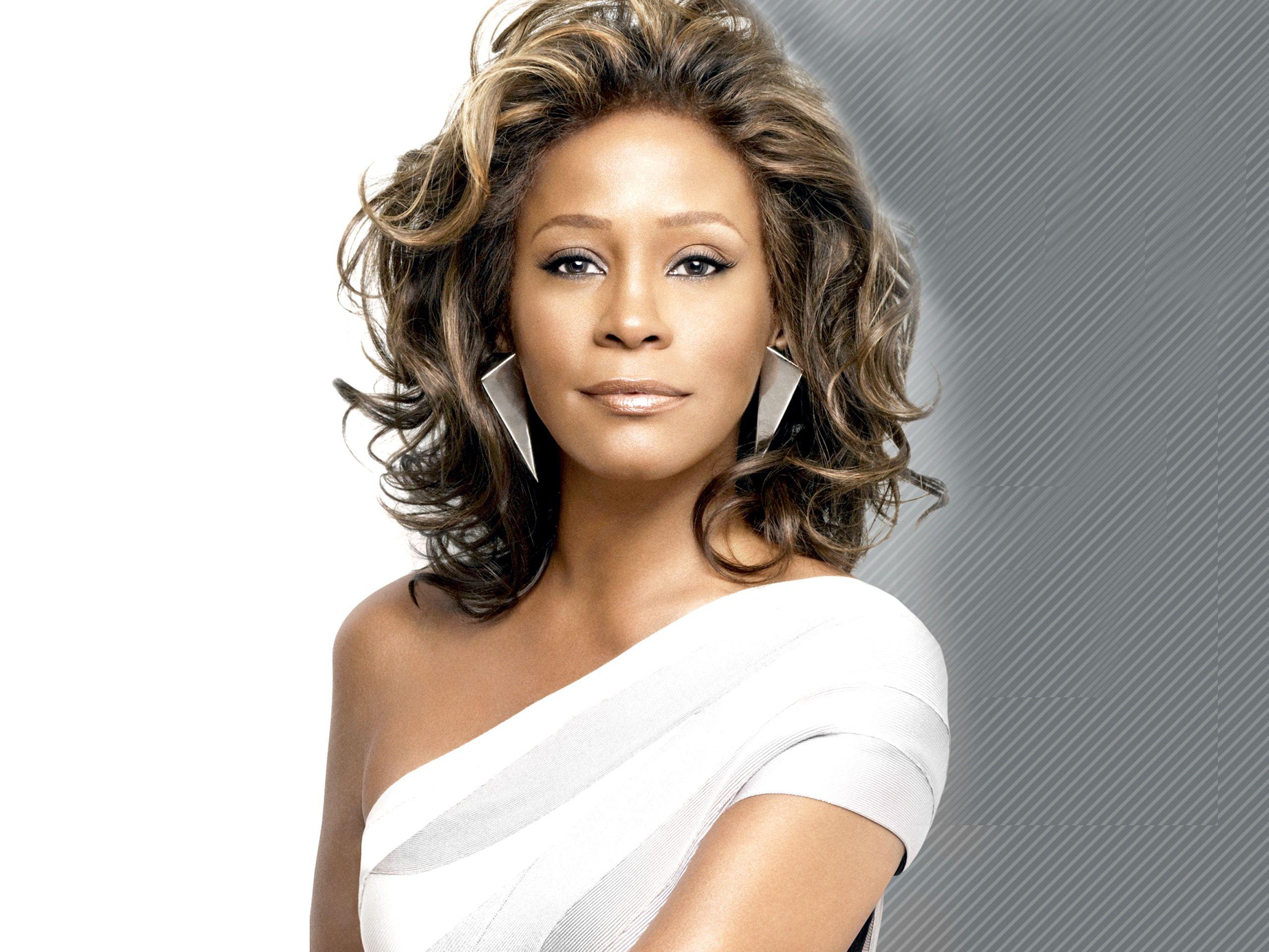 Whitney Houston - Bio, Family, Facts, Age: 48 | Hot Birthdays