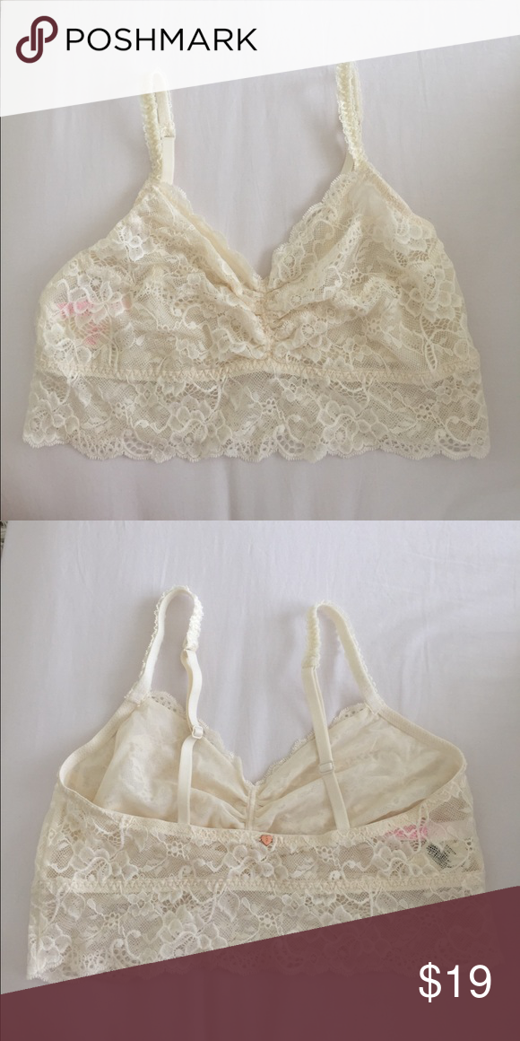 ec0ec8c72584f Victoria s Secret PINK Off White Bralette NWT