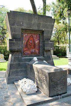 Frida Kahlo-Urna-Casa Azul Mexico City